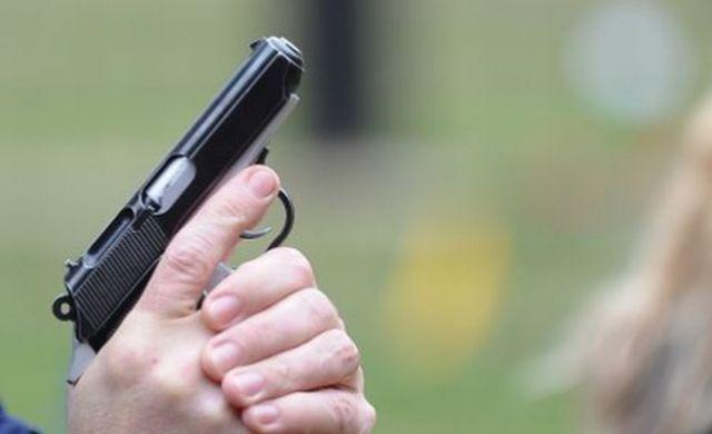 Suceva: 12 focuri de armă pentru reținerea unor contrabandiști de țigări
