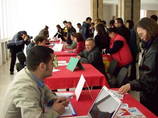 În România, aproape 460.000 de persoane sunt apte de muncă, dar nu-și caută job