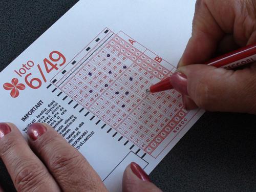 Premiul la jocul loto 6/49 este de peste 25,1 milioane de lei