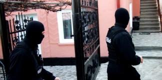 Mehedinți: 25 de percheziții la hoții din locuințe