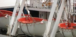MAE intervine pentru salvarea marinarilor români, sechestrați în Egipt