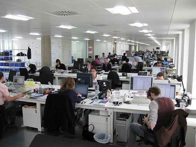Ernst&Young: 38% dintre organizaţii nu au o abordare coordonată pentru social media