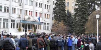 Protest la Uzinele Govora: 25 de angajați, în greva foamei