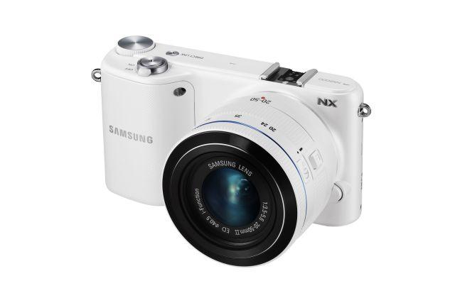 Samsung a lansat aparatul foto NX2000. Vezi foto și specificații tehnice