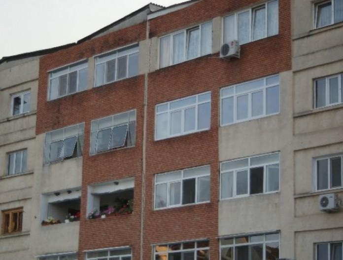 Primăria Capitalei vrea sa elimine aparatele de aer condiţionat de pe faţada clădirilor
