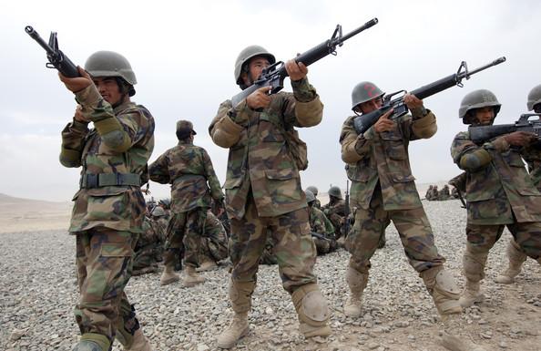 UE a prelungit misiunea de poliţie din Afganistan