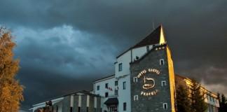 """Industria turismului: România trebuie să utilizeze """"cârligul"""" Dracula pentru a atrage turiști"""