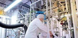 Studiu: 45% din firmele din industria chimică românească riscă insolvența