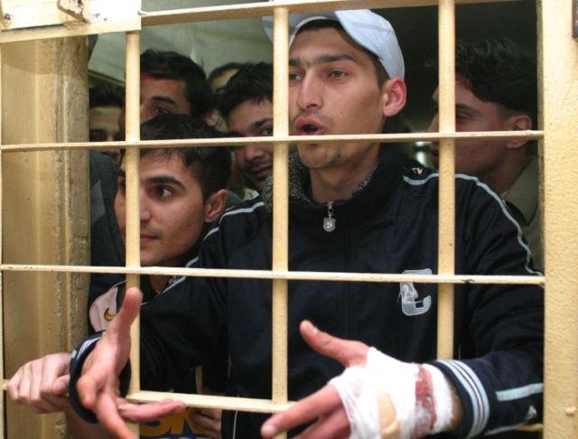 STATISTICĂ ȘOCANTĂ: 311 români ajung în închisoare în fiecare lună