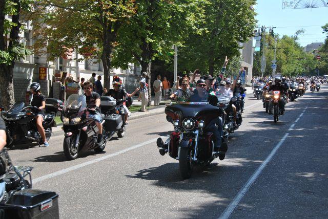 Românii trec pe motociclete: Înmatriculările au crescut cu 40% față de primul trimestru din 2012