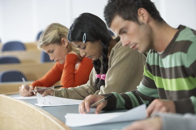 Elevii se pot înscrie la prima sesiune a Bacalaureatului în perioada 27 şi 31 mai