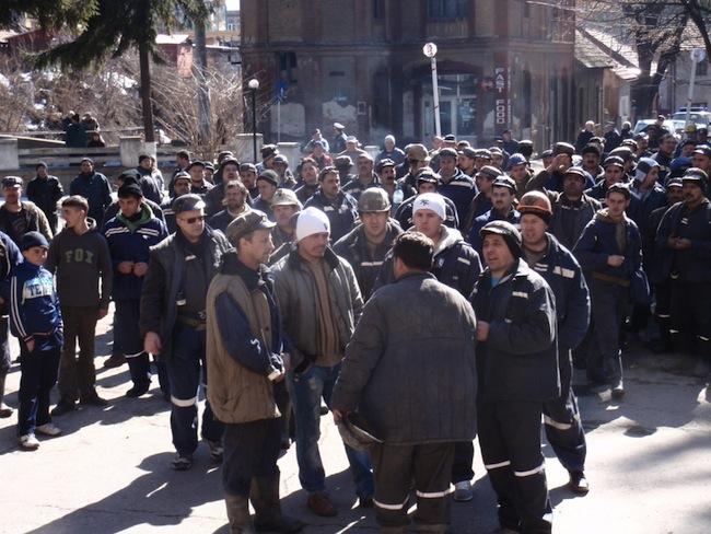 Aproximativ 5.000 de mineri vor protesta, începând de joi, la Târgu-Jiu