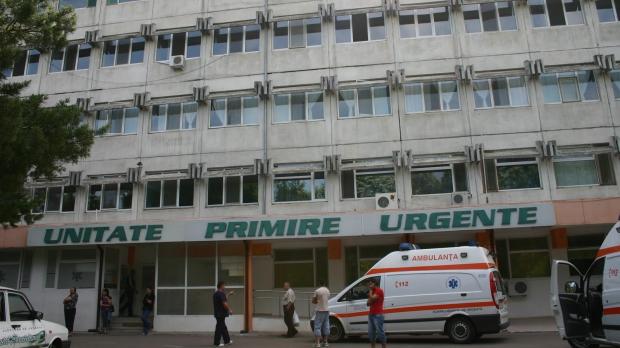 O femeie internată la Spitalul Județean Focșani a murit după ce s-a aruncat de la etaj