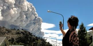 Mii de persoane evacuate în Chile şi Argentina, în urma creșterii activității seismice a vulcanului Copahue