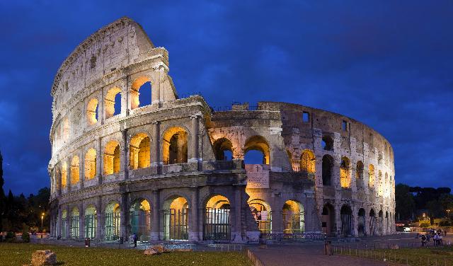 Colosseumul din Roma, arena gladiatorilor