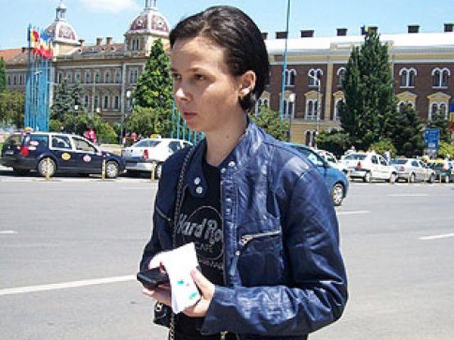 Patroana Jenica Clapa a tras...clapa unor hotelieri din Austria