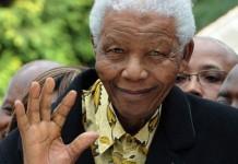 Nelson Mandela rămâne în spital, în stare critică