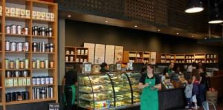 Starbucks devine și fast-food