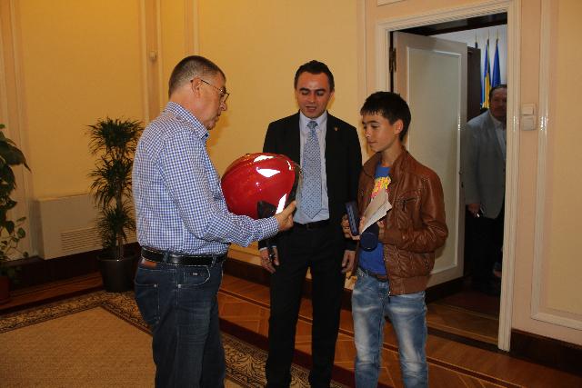 Radu Stroe și Cătălin Chiper, cu eroul de la Segarcea