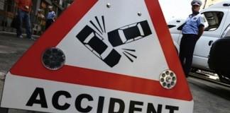 Accident rutier în lanț: Cinci persoane au fost duse la spital, alte 10 au primit îngrijiri pe loc