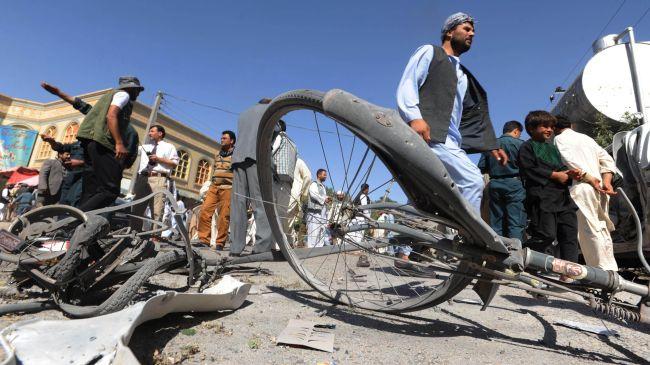 Atentat în Afganistan: 9 copii și un polițist au fost uciși