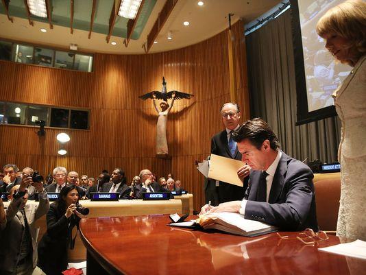 România și alte peste 65 de ţări, au semnat Tratatul privind comerţul cu arme