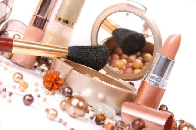 Patru dușmani în cosmeticele tale
