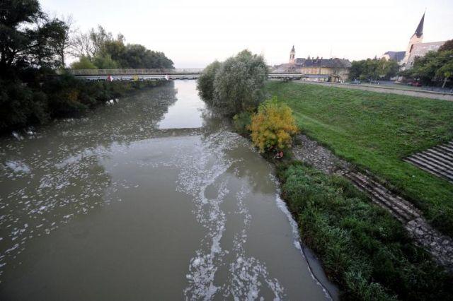 Atenționare de inundații pe Dunăre în următoarele zile în Ungaria