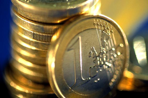 Letonia strânge de semnături pentru desfăşurarea unui referendum împotriva aderării la zona euro