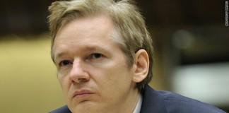 Julian Assange negociază azilul lui Edward Snowden în Islanda