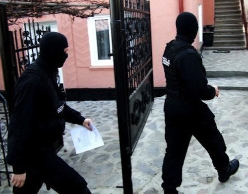Percheziţii în Caraş-Severin, Timiş şi Mehedinţi, la persoane suspectate de evaziune fiscală