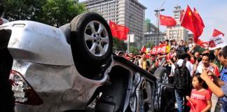 Zeci de persoane decedate în urma violențelor din China