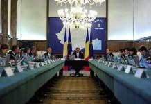 Ponta îl urechează pe Barbu de la Cultură: Nu mai intrați în competențele economice ale Germaniei
