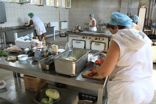 Cinci cazuri de toxiinfecție alimentară la un hotel din Mamaia