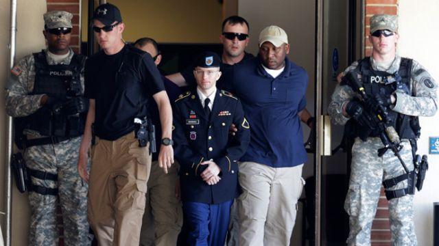 """Verdictul în cazul Manning, """"o victorie strategică semnificativă"""""""