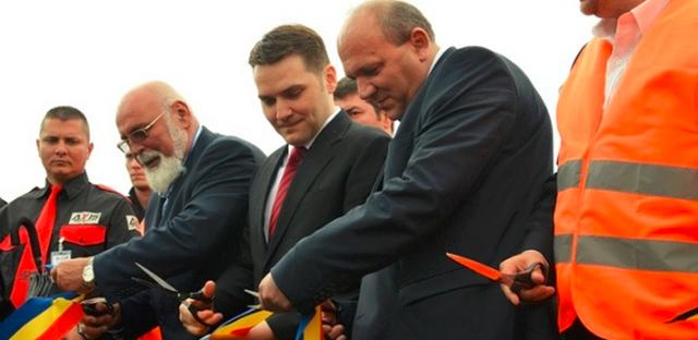 Ministrul Dan Șova și directorul CNADNR, Mircea Pop, scumpesc rovinieta
