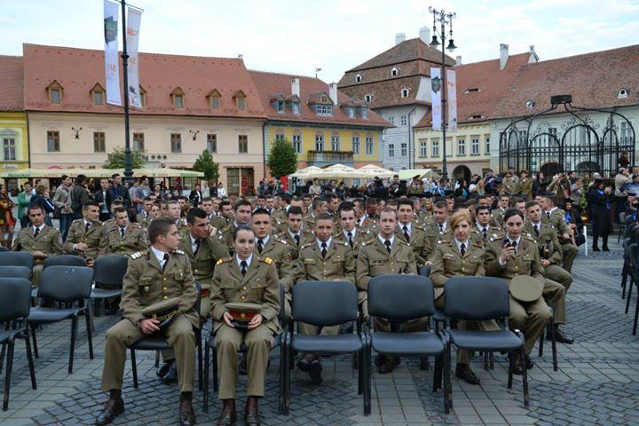 Ponta: Absolvenţii academiilor militare vor avea locuri de muncă