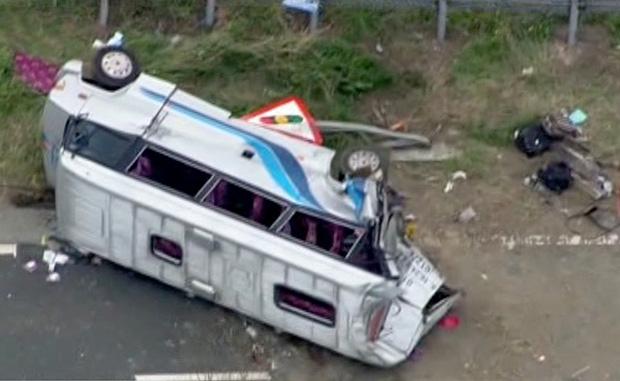 ACCIDENT cu un microbuz cu zece români în Marea Britanie: Doi români răniţi grav rămân spitalizaţi