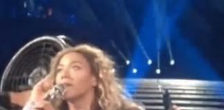 Incident în timpul concertului cântăreței Beyonce. Vezi ce i s-a întâmplat