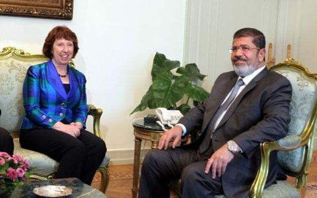 Egipt: Morsi refuză oferta de reconciliere naţională a Catherinei Ashton