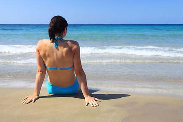 8 sfaturi de care trebuie să ținem cont când mergem la plajă