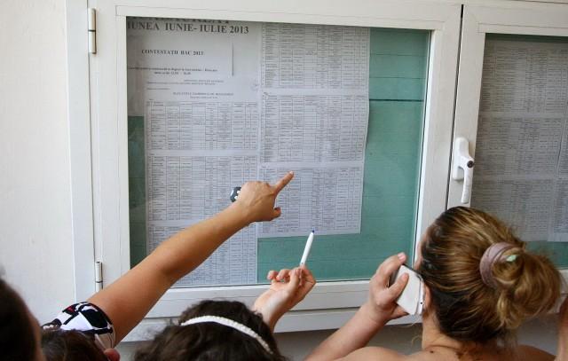 Guvernul vrea să premieze elevii cu media 10 la bacalaureat
