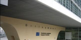 Comisia Europeană amendează cinci furnizori de piese auto pentru constituirea de carteluri