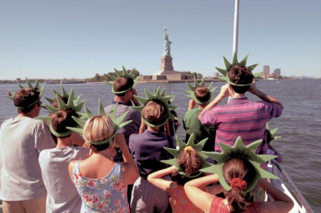 Comisia Europeană va întări legislația privind protecția turiștilor. Focus pe pachetele achiziționate online