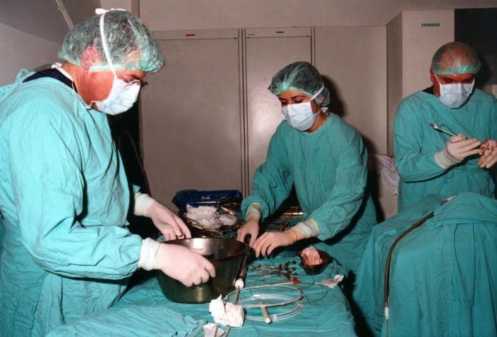 15 medici doresc sa fie pregătiţi în străinătate pentru operaţii pe inimă la copii