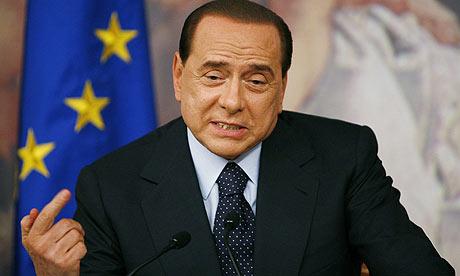 """Silvio Berlusconi: Guvernul italian """"trebuie să meargă înainte"""""""