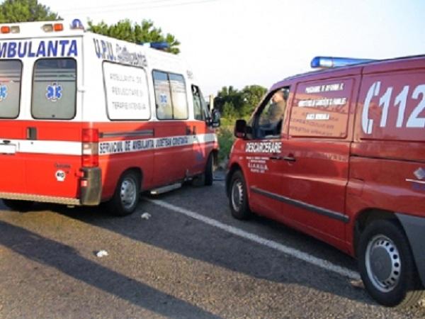 Mehedinți: 6 persoane, între care 4 copii, răniți într-un accident pe DN 6