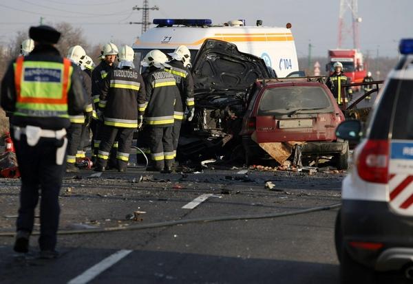 UNGARIA: Accident grav cu 3 morţi şi 33 de răniţi, printre care se află și români