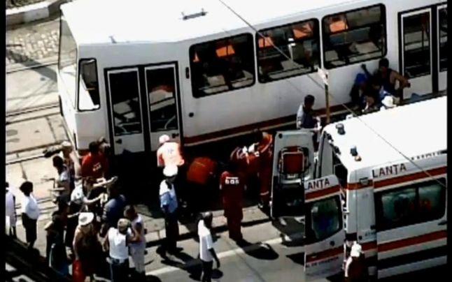 ISUMB: Femeie lovită de un tramvai în zona Bulevardului Gheorghe Şincai