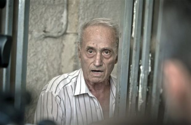 Procurorii îl audiază pe fostul deţinut politic Valentin Cristea, în dosarul torţionarului Vişinescu